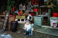 圣诞装饰花店 免版税库存照片