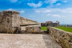 圣费利佩在俯视西班牙殖民地市卡塔赫钠在的de Indias的小山的De巴拉哈斯历史的城堡  免版税库存图片