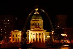 圣路易在夜之前 免版税库存图片