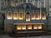圣路易斯des Chartrons教会的法坛  图库摄影