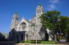 圣路易, Mo— 2017年11月3日,圣路易天主教与蓝天的大教堂大教堂 免版税库存图片