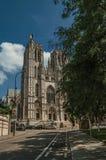 圣迈克尔和圣Gudula和街道大教堂在布鲁塞尔 免版税库存图片