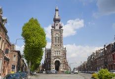 圣迈克尔教会在瓦朗谢纳 免版税库存照片