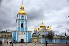 圣迈克尔的钟楼在基辅,乌克兰 免版税库存照片