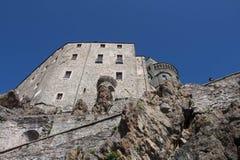 圣迈克尔` s修道院的前面片段在Val di苏萨 山麓 意大利 库存照片