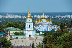 圣迈克尔` s金黄半球形的修道院 免版税图库摄影