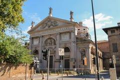 圣阿戈斯蒂诺大教堂门面在皮亚琴察,意大利 免版税库存照片