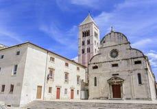 圣阿纳斯塔西娅钟楼St多纳特教会、论坛和大教堂在扎达尔 免版税库存图片