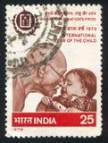 圣雄甘地和孩子 库存照片