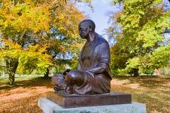 圣雄甘地在阿里纳公园,日内瓦,瑞士雕象  免版税库存照片