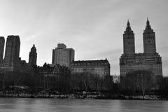 圣雷莫公寓在冬天和黑白 免版税库存照片