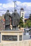 圣面对St的教会西里尔和Methodius雕象  免版税库存照片