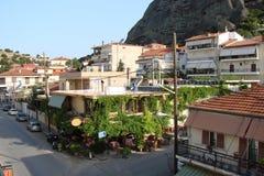 圣飞星岩石在希腊的中部 06 18 2014年 旅馆复合体的全景在st Meteori附近的 库存照片