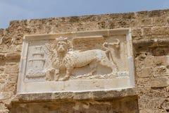 圣马克飞过的狮子的雕塑在法马古斯塔,塞浦路斯 库存照片