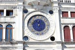 圣马克`的黄道带天文学尖沙咀钟楼Torre小山谷Orologio 库存图片