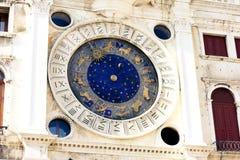 圣马克`的黄道带天文学尖沙咀钟楼Torre小山谷Orologio 库存照片