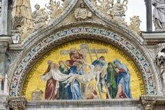 圣马克` s大教堂的马赛克门面在威尼斯 库存图片