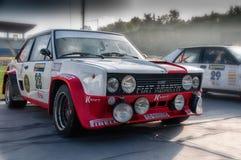 圣马力诺,圣马力诺- OTT 21 - 2017年:菲亚特131 ABARTH 1977老赛车集会传奇2017历史著名圣马力诺 库存图片
