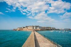 圣马洛湾,不列塔尼,法国看法  免版税库存图片