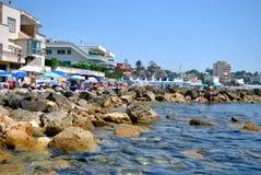 圣马里内拉沿海石头  免版税库存照片