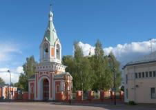 圣洁传道者彼得和保罗的教会的钟楼 芬兰 图库摄影