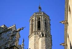 圣洁十字架, Gotic Barri,巴塞罗那,西班牙的大教堂的面貌古怪的人 库存照片
