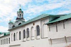 圣洁变貌修道院在雅罗斯拉夫尔市,俄罗斯 免版税库存照片