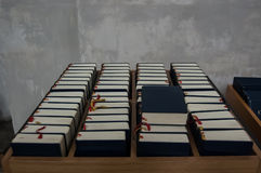 圣经在教会里 免版税库存照片