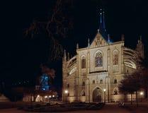 圣巴巴拉寺庙的夜照片  库存照片