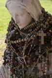 圣洁母亲雕象 库存照片
