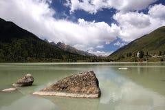 圣洁湖xinluhai 库存照片