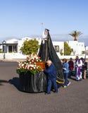 圣洁玛丽雕象复活节队伍的在Yaiza,兰萨罗特岛 库存图片