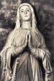 圣洁的贞女上帝宗教妇女祈祷的玛丽天主教母亲 免版税库存图片