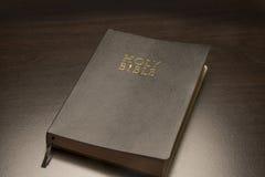 圣经黑色圣洁 免版税库存照片