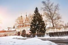 圣洁门一个多雪的冬天 库存照片