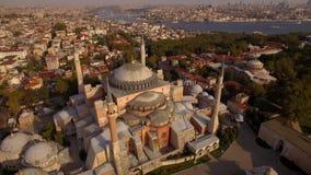圣索非亚大教堂空中英尺长度在伊斯坦布尔市 惊人的射击 4K 股票录像