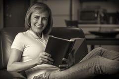 读圣经 库存照片