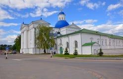 圣洁Dormition修道院的做法的大教堂在Zhirovichi 库存图片