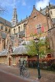 圣Bavokerk教会华丽和五颜六色的建筑学有雕刻的在哈莱姆 库存照片