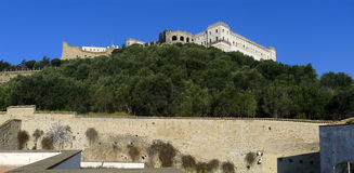 圣Elmo小山的看法和城堡和Charterhouse 库存图片