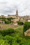 圣Emilion村庄和葡萄园 免版税图库摄影