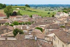 圣Emilion村庄和葡萄园 库存图片
