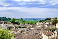 圣Emilion镇和风景红葡萄酒法国 免版税库存图片
