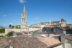 圣Emilion,红葡萄酒/法国- 06 19 2018年:美丽如画的屋顶圣Emilion,其中一个博尔主要红葡萄酒区域  免版税图库摄影