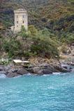 圣Fruttuoso利古里亚海:多利亚塔 颜色女儿图象母亲二 库存图片