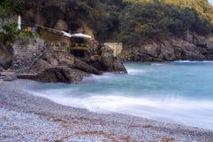 圣Fruttuoso海滩利古里亚海 颜色女儿图象母亲二 免版税库存图片