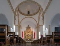 圣Gervasio大教堂的内部在巴里阿多里德 库存图片