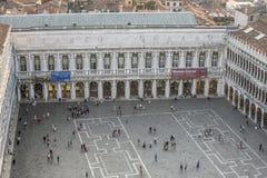 圣Marco广场,威尼斯,意大利鸟瞰图从塔响铃的 免版税图库摄影