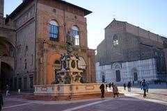 圣Petronio大教堂和雕象Neptun波隆纳 库存照片