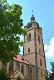 圣Pyotr和Pavel宽容寺庙的钟楼以天空为背景的 市梅利尼克,捷克 库存照片
